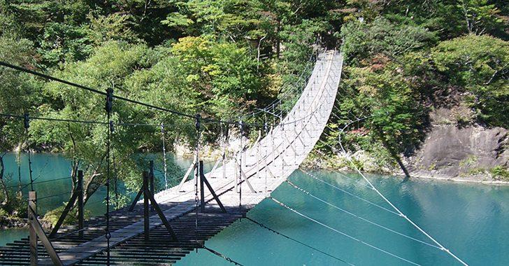 危ない木橋画像