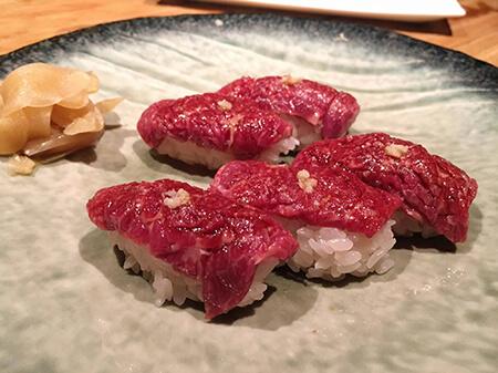 美味しい馬肉寿司画像