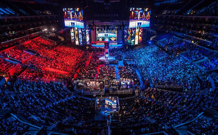 eSportsが日本でも流行る!プロゲーマーの年収と稼ぎ方