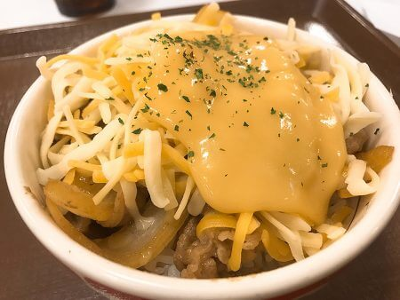 すき家とろ〜り3種のチーズ牛丼画像